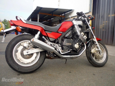 moto accident e yamaha fzx 750 rouge. Black Bedroom Furniture Sets. Home Design Ideas