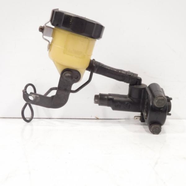 maître cylindre de frein avant