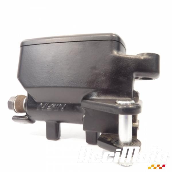 maître cylindre de frein arrière