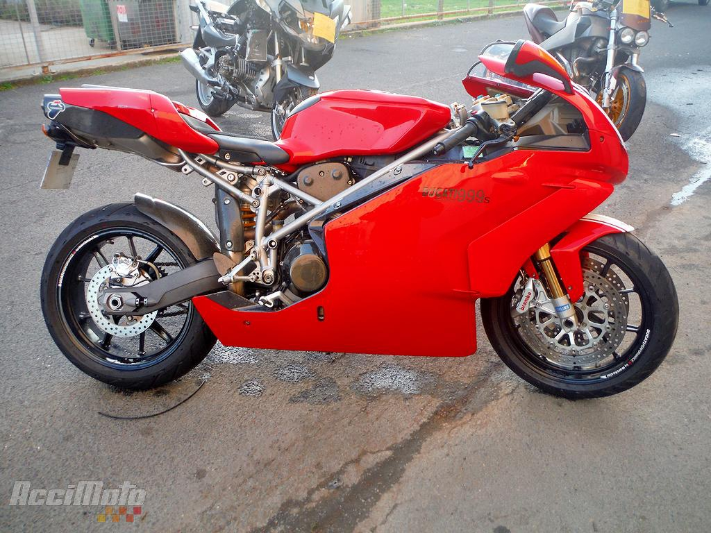 moto accident u00e9e ducati 999 rouge