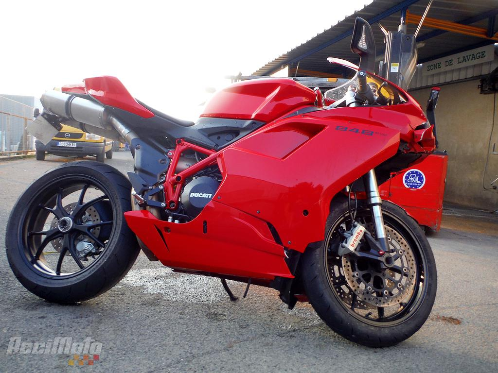 moto accidentée DUCATI 848 ROUGE
