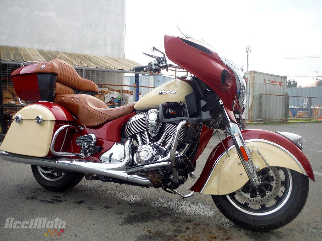 moto accident e indian motorcycles roadmaster 1800 rouge. Black Bedroom Furniture Sets. Home Design Ideas