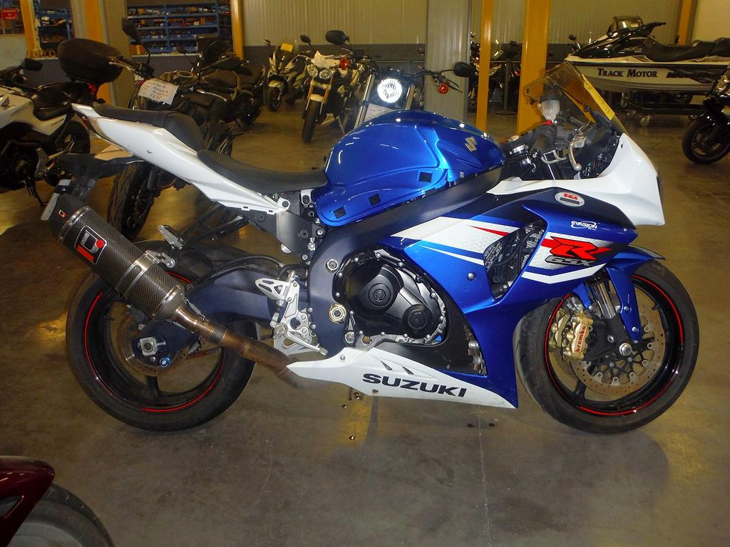 moto accident e suzuki gsxr 1000 gsxr1000 1000gsxr bleu. Black Bedroom Furniture Sets. Home Design Ideas