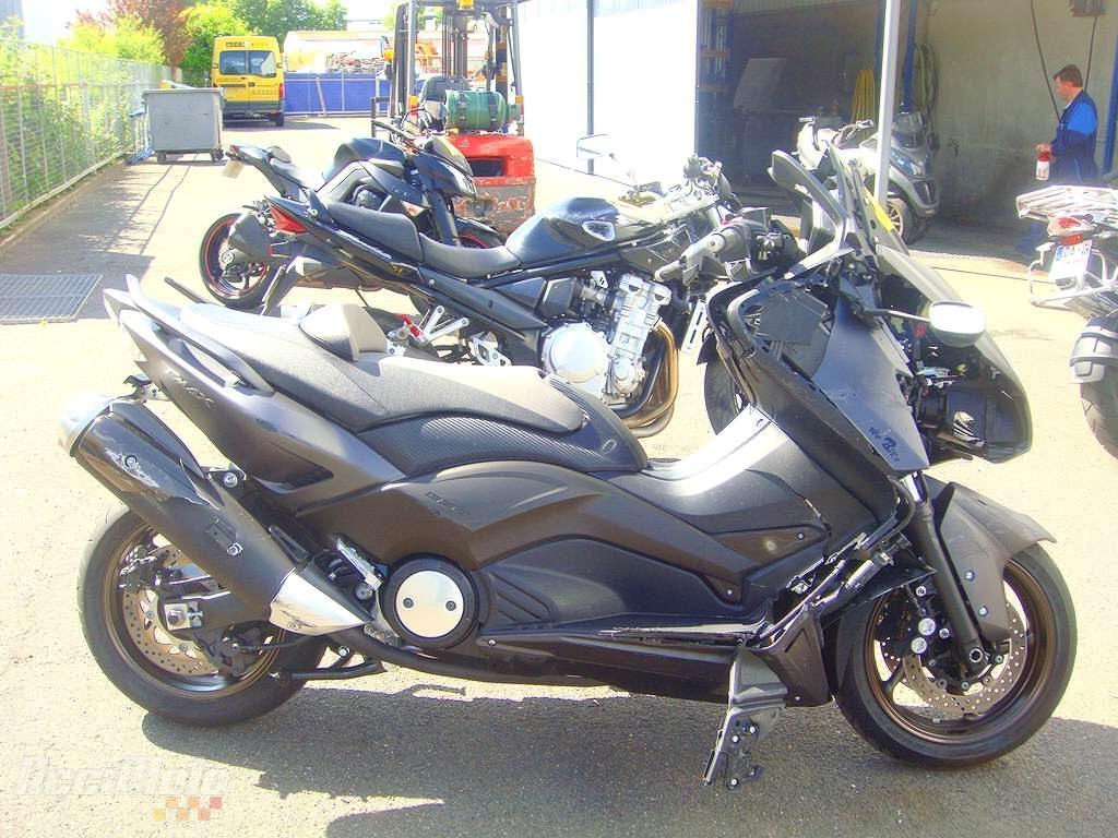 moto accident e yamaha tmax 530 noir. Black Bedroom Furniture Sets. Home Design Ideas