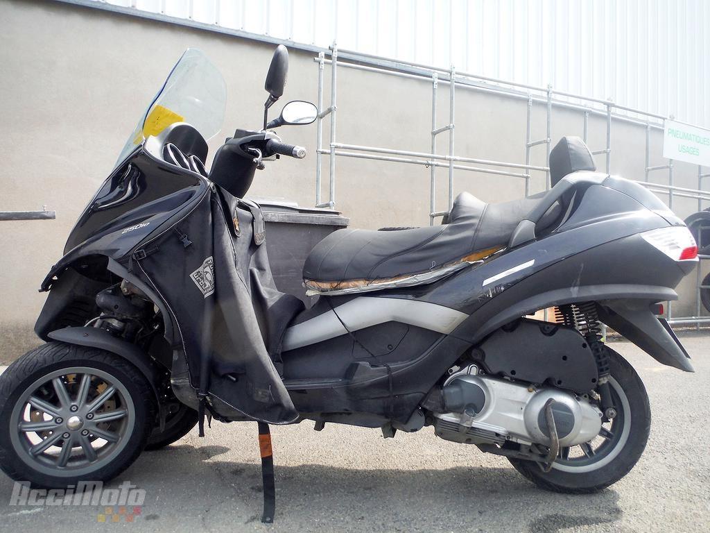 moto accident e piaggio mp3 250 mp3250 noir. Black Bedroom Furniture Sets. Home Design Ideas