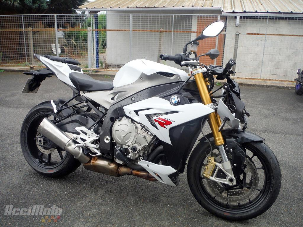 moto accident e bmw s1000r blanc. Black Bedroom Furniture Sets. Home Design Ideas