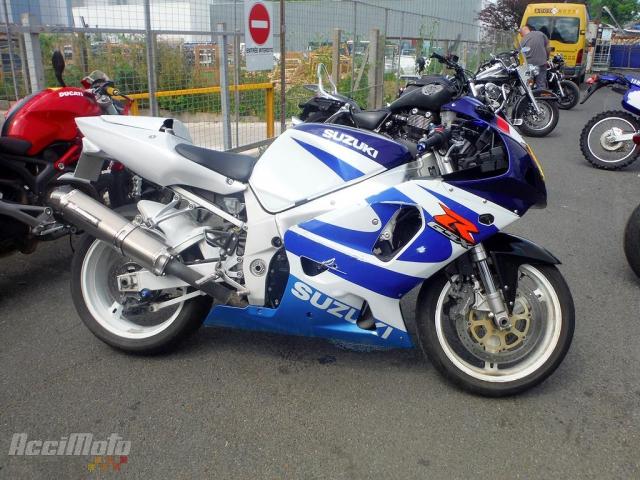 4e0e8a5957a SUZUKI GSXR 750 (Motor bike AVARIILISED MOOTORRATTAD )