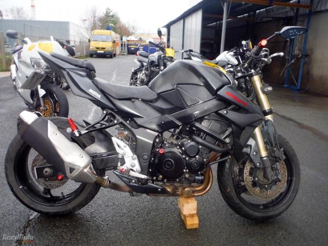 6440d17cf4b SUZUKI GSR 750 (Motor bike AVARIILISED MOOTORRATTAD )