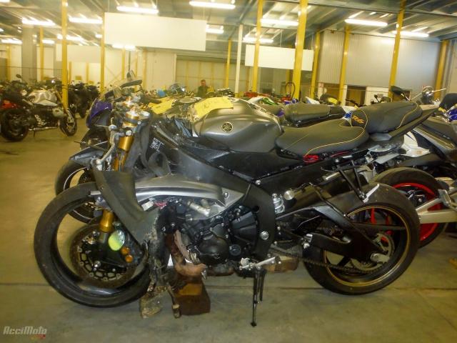 YAMAHA R6 YZF600 (Motor bike AVARIILISED MOOTORRATTAD )