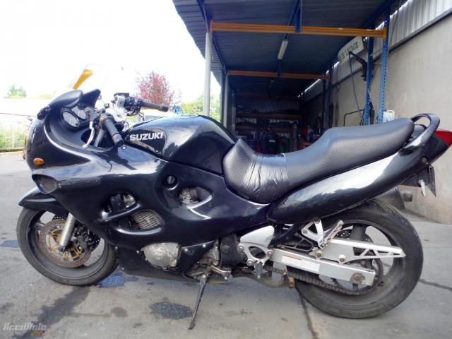 b7d32f2eb1f SUZUKI GSXF 750 (Motor bike AVARIILISED MOOTORRATTAD )