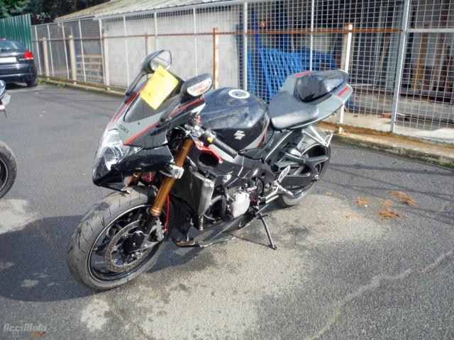 e344827f0fc SUZUKI GSXR 1000 (Motor bike AVARIILISED MOOTORRATTAD )